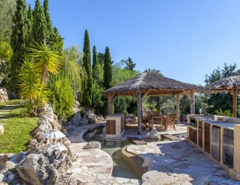 villa-mimoza-nidri-lefkada-luxury-accommodation-greece-outdoor-area
