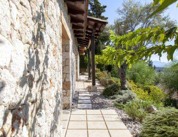 villa-mimoza-nidri-lefkada-luxury-accommodation-greece-outdoor-bedroom-quarters