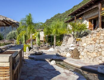 villa-mimoza-nidri-lefkada-luxury-accommodation-greece-outdoor-kitchen