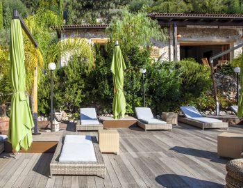 villa-mimoza-nidri-lefkada-luxury-accommodation-greece-seating-area