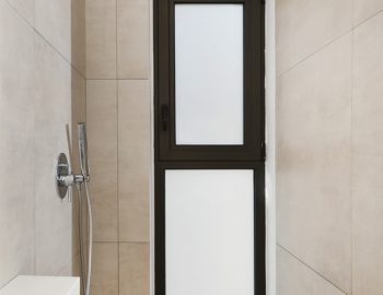 villa-mouria-paleros-greece-bathroom-with-shower