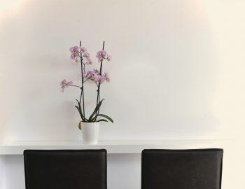 villa-mouria-paleros-greece-bedroom-seating-area