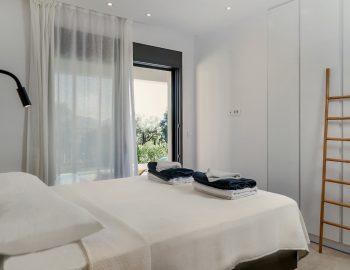 villa-mouria-paleros-greece-double-bedroom