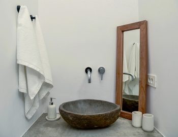 villa-mouria-paleros-greece-luxury-bathroom