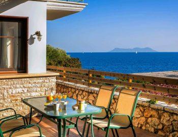 villa-ostria-sivota-lefkada-greece-outdoor-dining