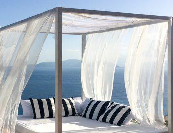 villa-ponti-vasiliki-lefkada-greece-sunbed-feature-lounge