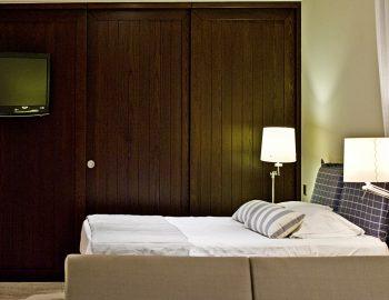 villa-sapphire-karvouno-beach-sivota-epirus-greece-bedroom
