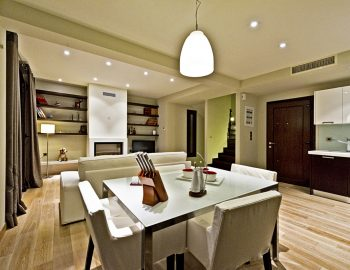 villa-sapphire-karvouno-beach-sivota-epirus-greece-indoor-dining-setting