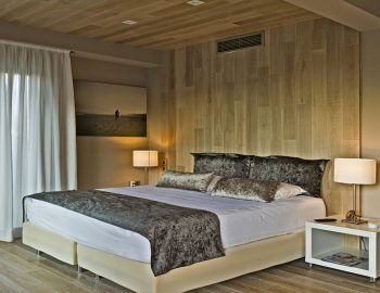 villa-sapphire-karvouno-beach-sivota-epirus-greece-master-bedroom-luxury-accommodation