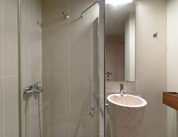 villa-scorpios-pogonia-paleros-greece-bathroom
