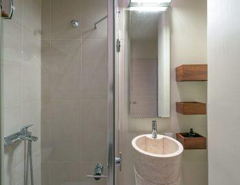 villa-scorpios-pogonia-paleros-greece-bathroom-with-shower