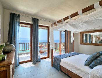 villa-scorpios-pogonia-paleros-greece-master-bedroom