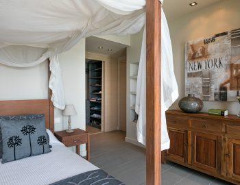 villa-scorpios-pogonia-paleros-greece-master-bedroom-upper-level