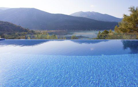 infinity pool in private villa theia on lefkada island