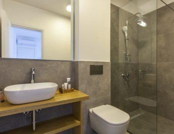 villa-theia-desimi-lefkada-greece-family-bathroom