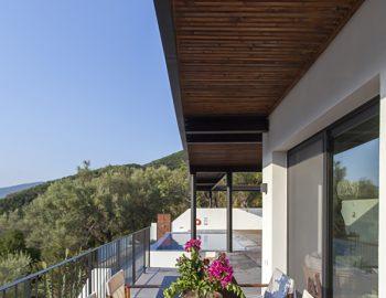 villa-theia-desimi-lefkada-greece-outdoor-breakfast-experience