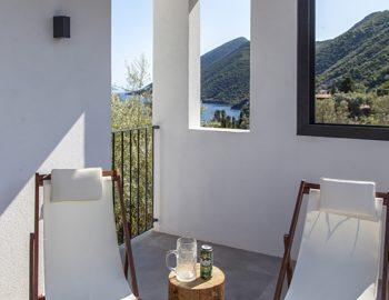 villa-theia-desimi-lefkada-greece-seating-options