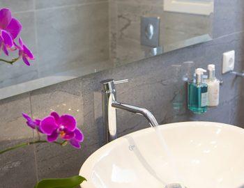 villa-w-offwhite-vasiliki-lefkada-greece-bathroom-sink-tap-miror