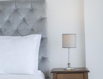 villa-w-offwhite-vasiliki-lefkada-greece-bedroom-double-bed-corner