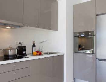 villa-w-offwhite-vasiliki-lefkada-greece-fully-equipped-kitchen