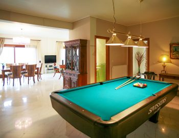 villa-belvedere-corfu-private-billiard-room