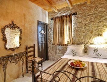 villa-eri-corfu-greece-bedroom