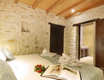 villa-eri-corfu-greece-bedroom-with-bathroom