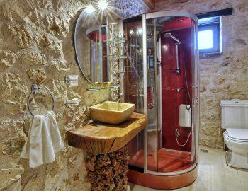 villa-eri-corfu-greece-family-bathroom