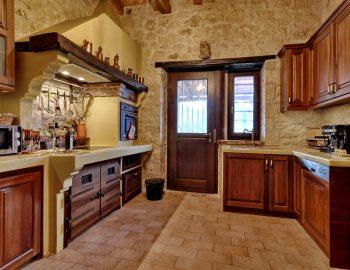 villa-eri-corfu-greece-fully-equipped-kitchen