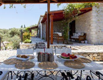 villa-eri-corfu-greece-outdoor-dining