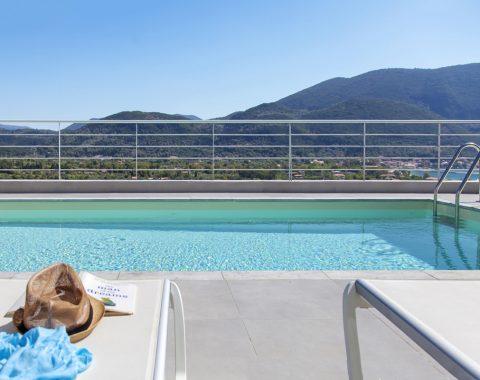 villa-o-offwhite-vasiliki-lefkada-greece-outdoor-private-pool-with-sea-view