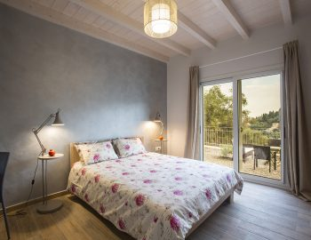villa-ranna-corfu-greece-luxury-double-bedroom-garden-view