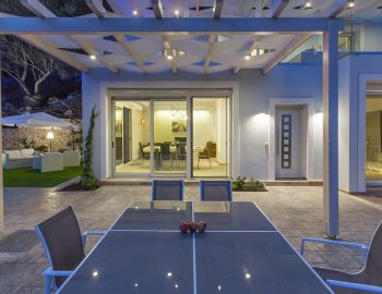 villa-ranna-corfu-greece-outdoor-dining-view
