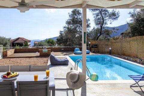 villa-selini-mikros-gialos-lefkada-greece-with-pool-and-partial-sea-view