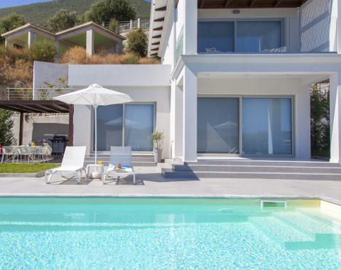 villa-w-offwhite-vasiliki-lefkada-greece-pool-view