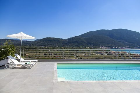 villa-w-offwhite-vasiliki-lefkada-greece-private-pool